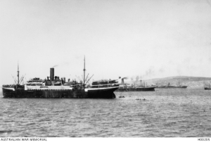 Troopships in Mudros Harbour.    AWM H00205
